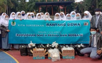 OSIS SMAN 1 Cilimus dan Civitas Akademika Sukses Selenggarakan Rantang Rhamadan